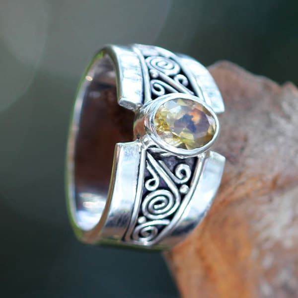 Handcrafted Sterling Silver 'Yellow Karma' Citrine Ring (Indonesia)