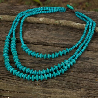 Handcrafted Littleleaf Boxwood 'Happy Blue' Necklace (Thailand)