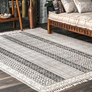 nuLOOM Handmade Flatweave Stiped Diamond Border Cotton Fringe Grey Rug (5' x 8')