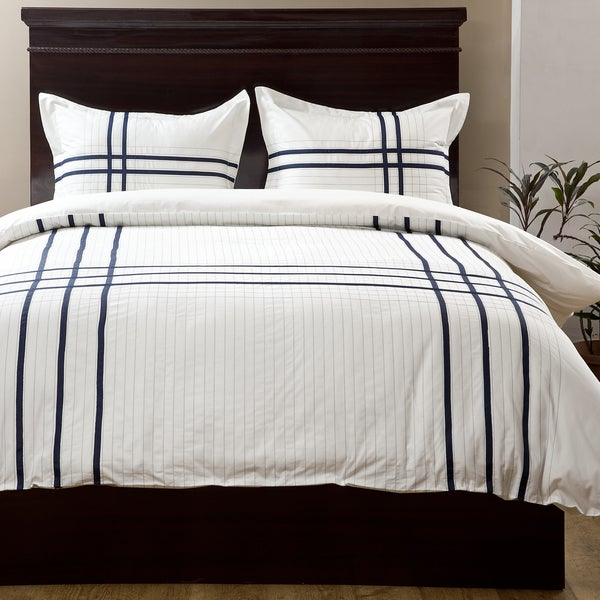 Albania White/ Blue 3-piece Duvet Set