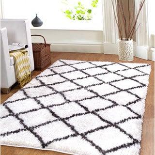 Affinity Hand-woven Trellis Cozy Shag Rug (5' x 8')
