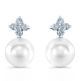 14k White Gold White Cultured Akoya Pearl 1/6ct TDW Diamond Earrings (H-I, VS1-VS2)
