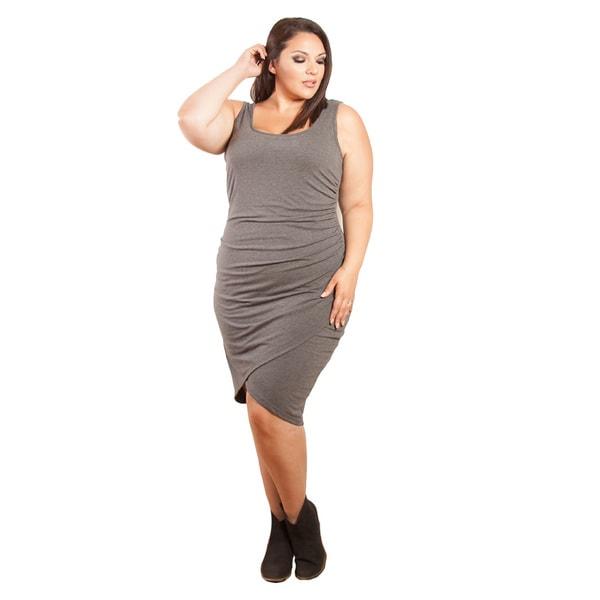 Sealed with a Kiss Women's Plus Size 'Zuri' Body Con Dress