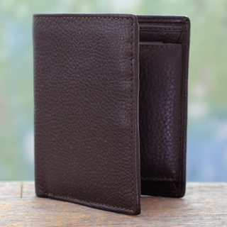 Handcrafted Men's Leather 'Delhi Chestnut' Wallet (India)