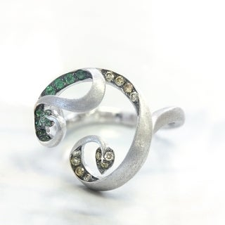 Lihara and Co 18k White Gold Tsavorite and 1/2ct TDW Yellow Diamond Ring (G-H, VS1-VS2)