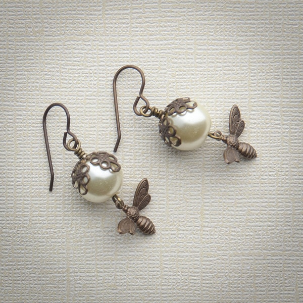 Busy Bee Dangle Earrings