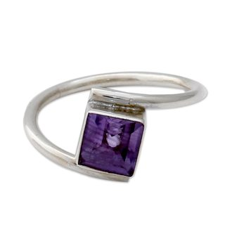 Handcrafted Sterling Silver 'Traveler' Amethyst Ring (India)
