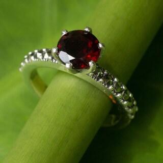 Sterling SIlver 'Forever Love' Garnet Marcasite Ring (Thailand)