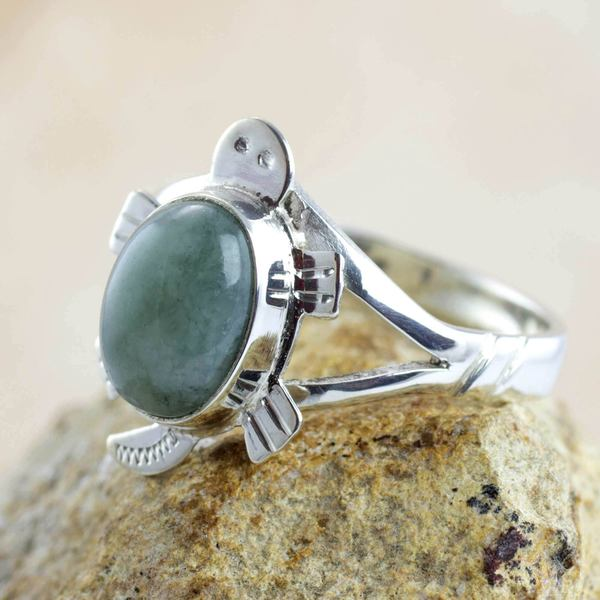 Sterling Silver 'Light Green Marine Turtle' Jade Ring (Guatemala)
