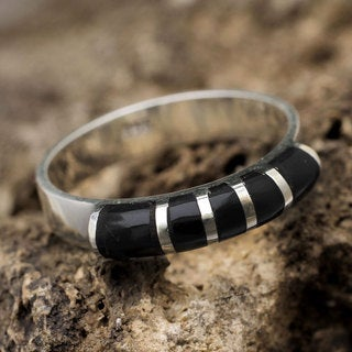 Handcrafted Sterling Silver 'Moche Mystery' Obsidian Ring (Peru)