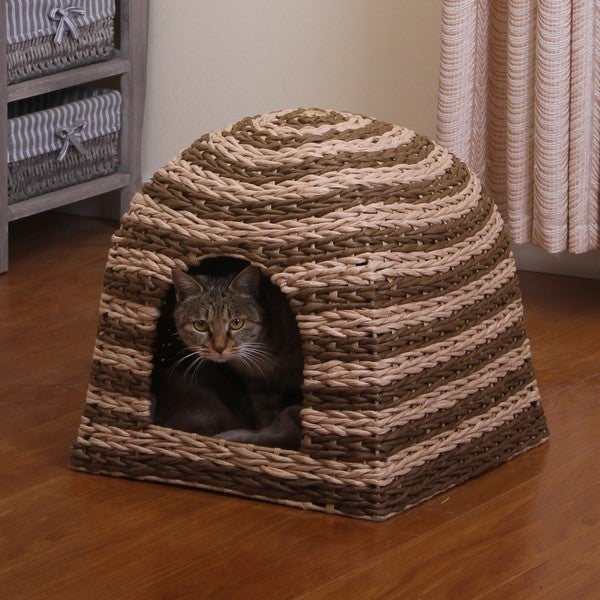 PetPals Banana Cabana/ Woven Water Hyacinth Cat House with Pillow