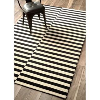 nuLOOM Handmade Modern Stripes New Zealand/ Indian Wool Black Rug (8'6 x 11'6)