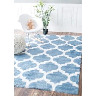 nuLOOM Cozy Soft and Plush Faux Sheepskin Trellis Shag Kids Blue Rug (3' x 5')
