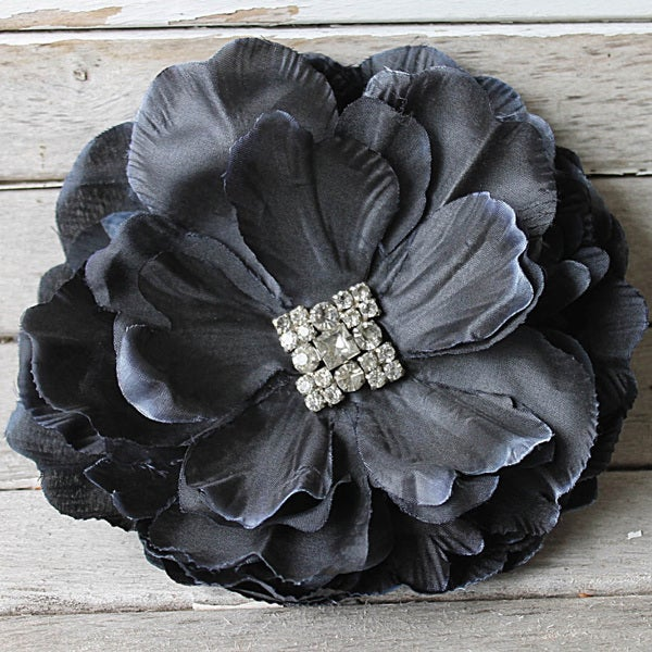 CarolineAlexander Black Flower Fascinator