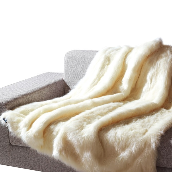 Anna Ricci White Faux Fur Animal Throw