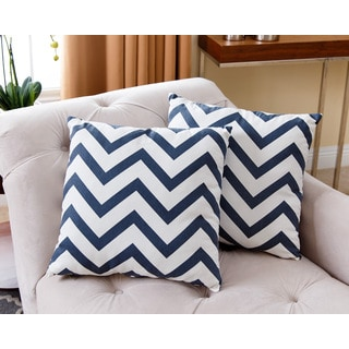 ABBYSON LIVING Jay Navy Blue Chevron 18-inch Pillow (Set of 2)