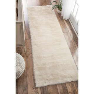 nuLOOM Cozy Soft and Plush Faux Sheepskin Shag Kids Nursery White Runner Rug (2'6 x 8')