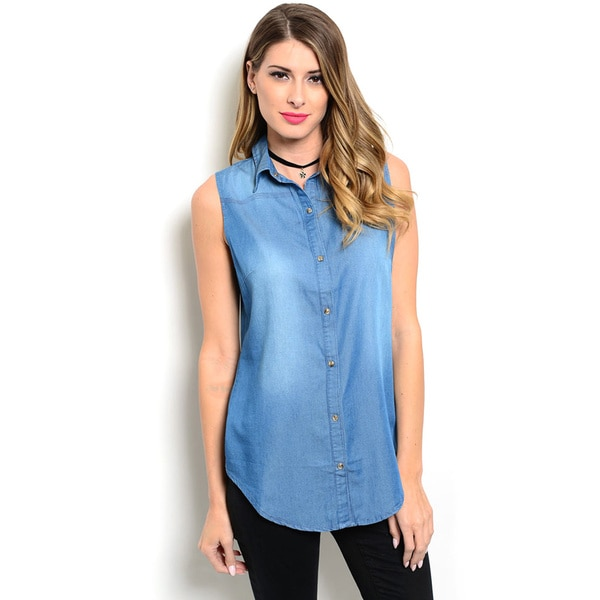 Shop the Trends Women's Sleeveless Button-front Chambray Top With Curved Hem