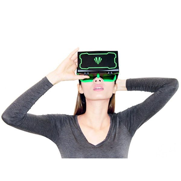 Teleport Virtual Reality Black/ Green VR Headset with Straps