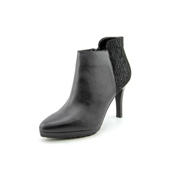 Tahari Women's 'Gordon' Leather Boots