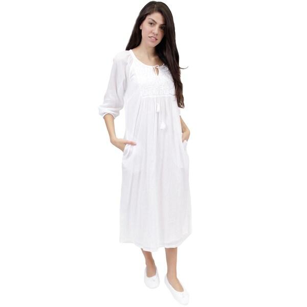 La Cera Women's White Embroidered Night Gown