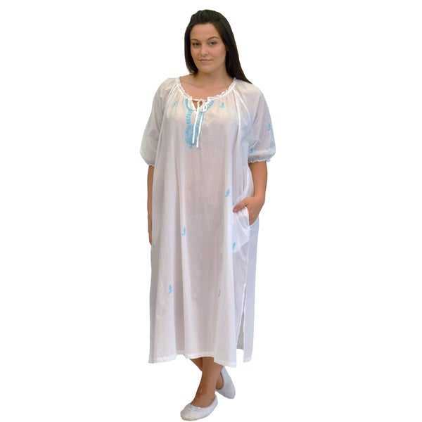La Cera Women's Plus Size Embroidered Smock Gown