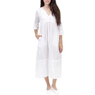 La Cera Women's Appliqued Gown