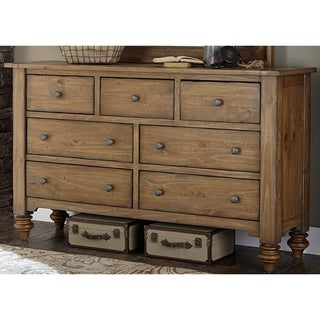 Southern Pine II Vintage Light Pine 7-Drawer Dresser
