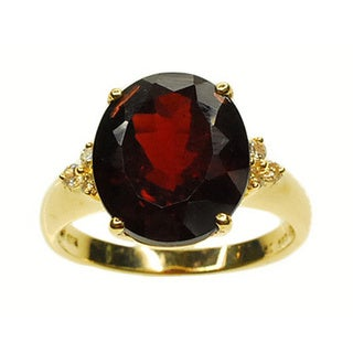 Kabella 14k Yellow Gold Garnet and 1/7ct TDW Diamond Ring (G-H, SI2-SI3)