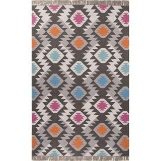Indoor/Outdoor Tribal Pattern Dark Gray/Multi Polyester Area Rug (5' x 8')