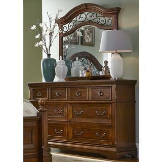 Laurelwood Chestnut 6-Drawer Dresser