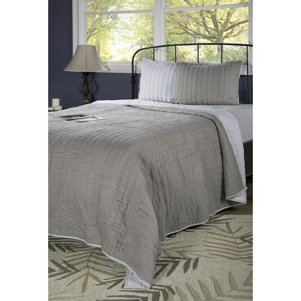 Rizzy Home Gracie Grey Quilt