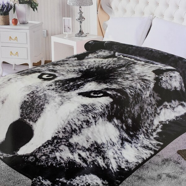 Ultra Plush Wolf Print Blanket