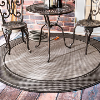 nuLOOM Two-Tone Border Indoor/ Outdoor Grey Porch Rug (6'3 Round)