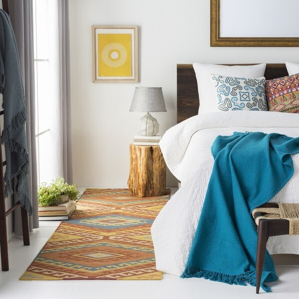 Hand Woven Brazil Wool Rug (2' x 3')