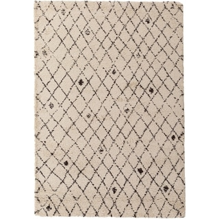 Meticulously Woven Dupont Rug (7'11 x 10'10)