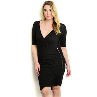 Shop the Trends Women's Plus Size 3/4 Sleeve Plunging Neck Bodycon Dress With Asymmetrical Hemline