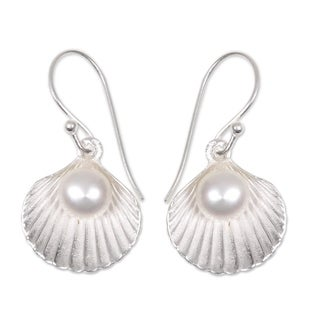Sterling Silver 'Gift from the Sea' Pearl Earrings (6 mm) (Indonesia)