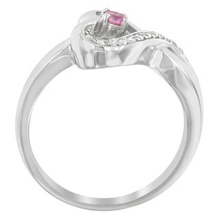 Sterling Silver Round-cut Diamond Accent Heart Ring with Pink Sapphire Center (H-I, SI1-SI2)