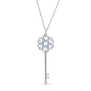 14k White Gold 1/4ct TDW Diamond Heart Key Pendant (H-I, VS1-VS2)