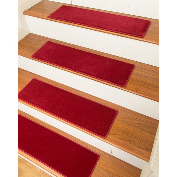 "Handcrafted Auckland Carpet Stair Treads (9"" x 29"") (Set of 13)"