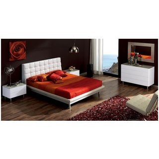 Luca Home White Upholstered 3-piece Queen Bedroom Set