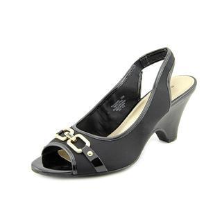 Bandolino Women's 'Finsbury' Fabric Dress Shoes