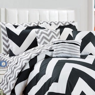 Fashion Street Chevron Fiesta 11-piece Reversable Bed in a Bag