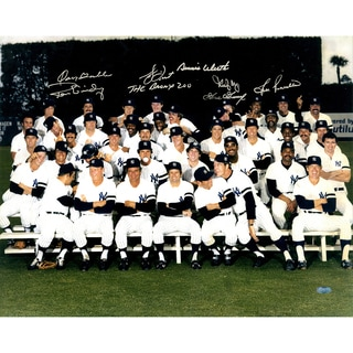 """1978 New York Yankees Multi-Signed 16x20 """"Finger"""" Team Photo Gossage/Guidry/Piniella/Dent """"The Bronx Zoo""""/Gamble/May/Werth"""