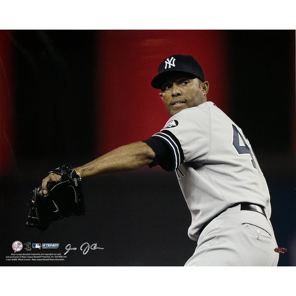 Mariano Rivera Wind Up Yankees Grey Jersey Horizontal 16x20 Photo uns (Signed by Anthony Causi)