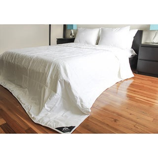 """Triumph Hill"" Silk Medium Weight Bed Comforter"