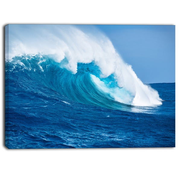 Designart - Sea Returns - Photo Seascape Canvas Print
