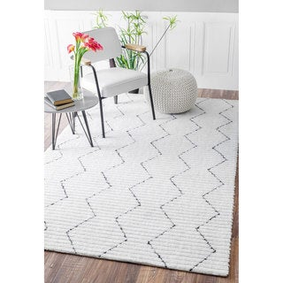 nuLOOM Handmade Moroccan Trellis Striped White Rug (8'6 x 11'6)