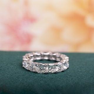Miadora Signature Collection 18k White Gold 7 3/4ct TDW Certified Cushion-cut Diamond Eternity Ring (G-H, VS2-SI1) (IGI)